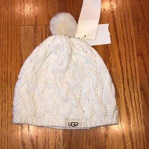NWT UGG knit Pom Pom hat!